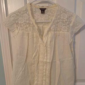 Eddie Bauer lace trimmed blouse